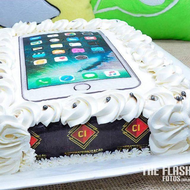 Foi um iPhone o bolo do cibsb2017 feito pela festasmariahellip