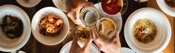 Jantar de fim de ano: 7 dicas e ideias para curtir com os amigos